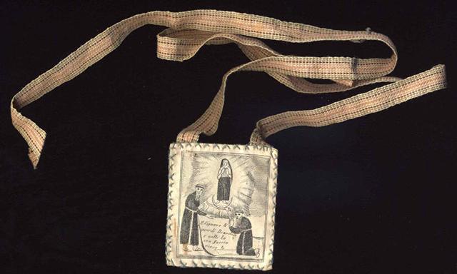 Scapolare di antica fattura con immagine sacra
